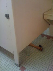 leg-under-stall1-180x240