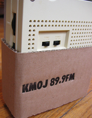 kmoj-radio-back-web