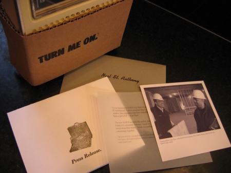 kmoj-tanek-press-package-3-450x337
