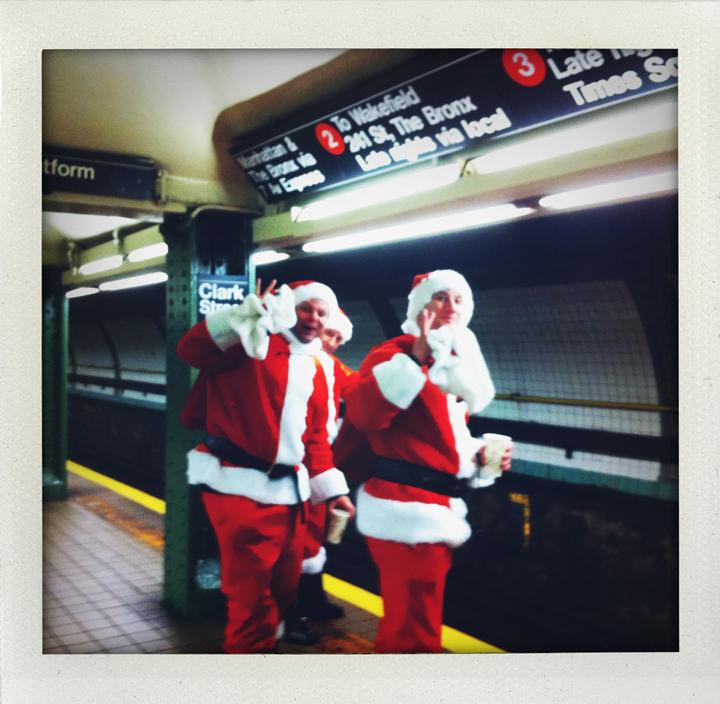 santa-subway-2