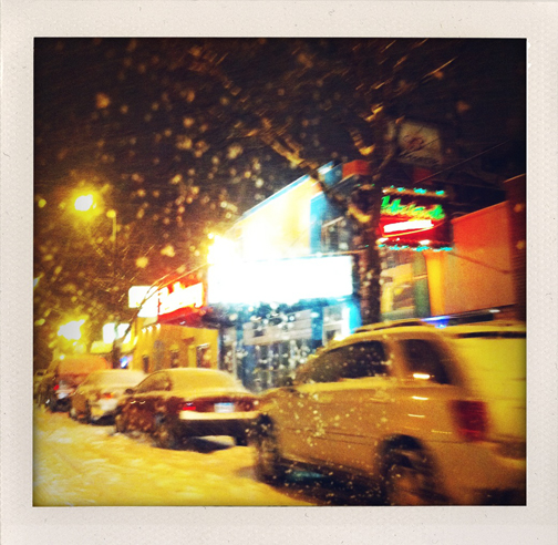 snowstorm-on-chicago-ave
